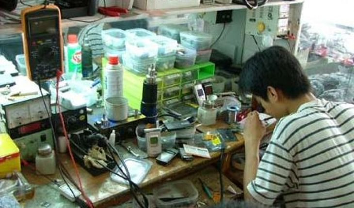 """Thợ sửa không thật thà có thể """"luộc đồ"""" của điện thoại iPhone 5, 5S"""