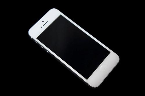 iPhone-5-khong-len-man-hinh-1024x682