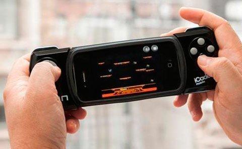Đó chính là lý do nhiều game thủ phải sử dụng các phụ kiện chơi game cho iPhone như iCade Mobile.