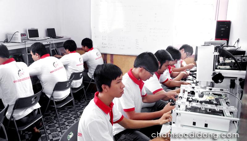 hoc-sua-chua-laptop-chuyen-nghiep-24h-2