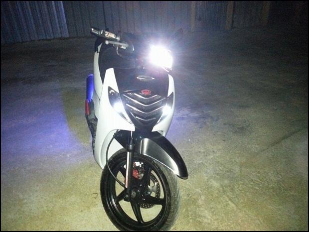 độ đèn led xe máy sh