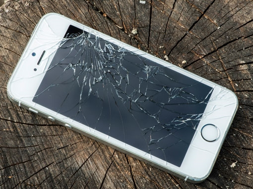 image-1417621518-broken-iphone-editorial-only-510px