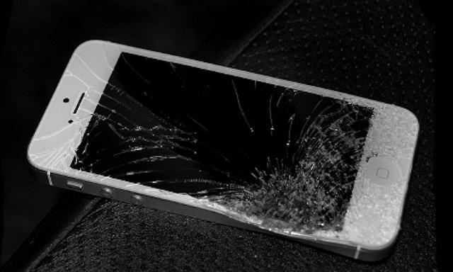 Nhung-đieu-can-biet-truoc-khi-thay-man-hinh-iPhone-5SE