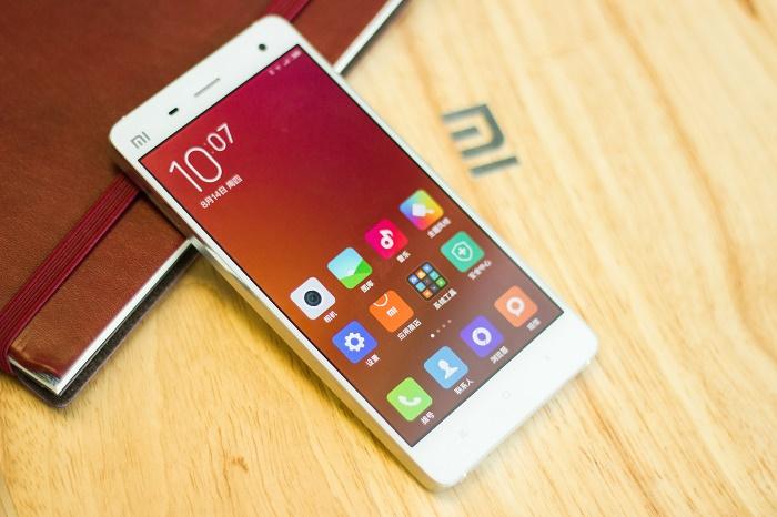 thay-man-hinh-Xiaomi-Mi4-bao-nhieu