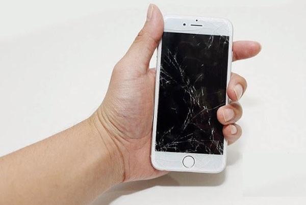 Thay-Man-Hinh-iPhone-7-7