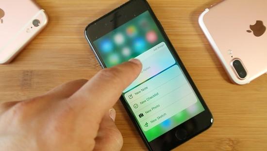 iPhone-7-bi-treo-cam-ung-0
