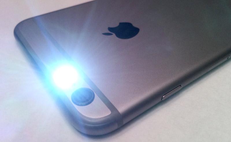 Как на айфоне сделать фонарик при звонке на айфон