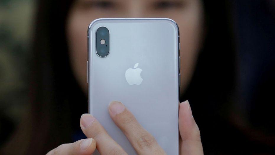 lo thong tin cau hinh thiet ke iphone x plus 2018 hinh 3