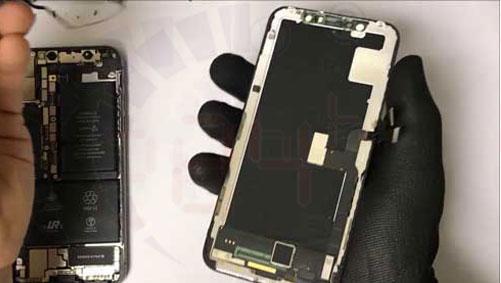 Luộc điện thoại bạn gái để thay màn hình iPhone XR và cái kết hình 2